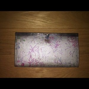 Handbags - Silver and floral wallet